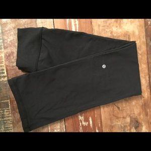 Size 4 Lulu Lemon stretch pant, bootcut